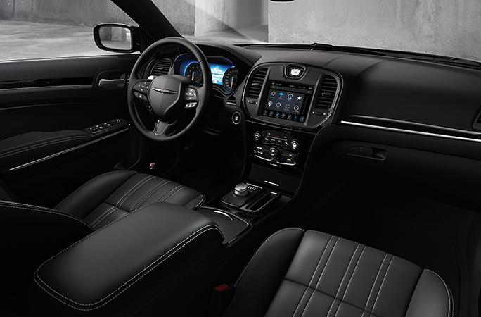Интерьер Chrysler 300