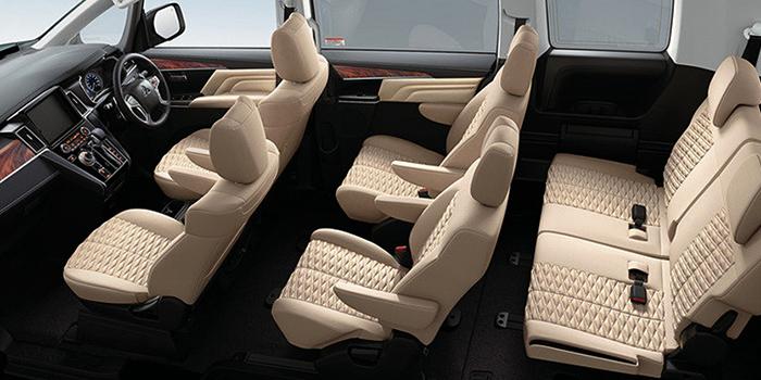 Салон Mitsubishi Delica D:5
