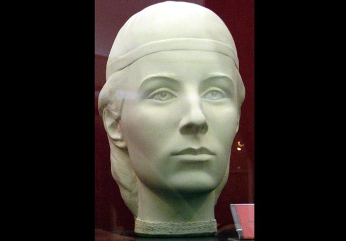 Скульптура Глинской