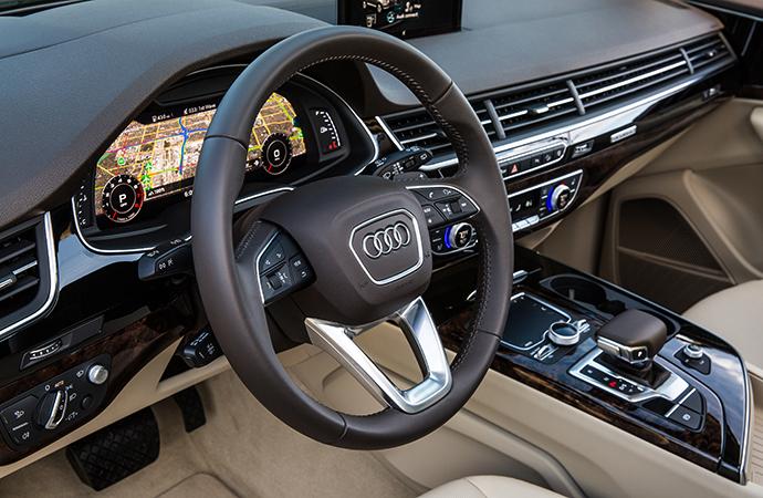 Интерьер Audi Q7
