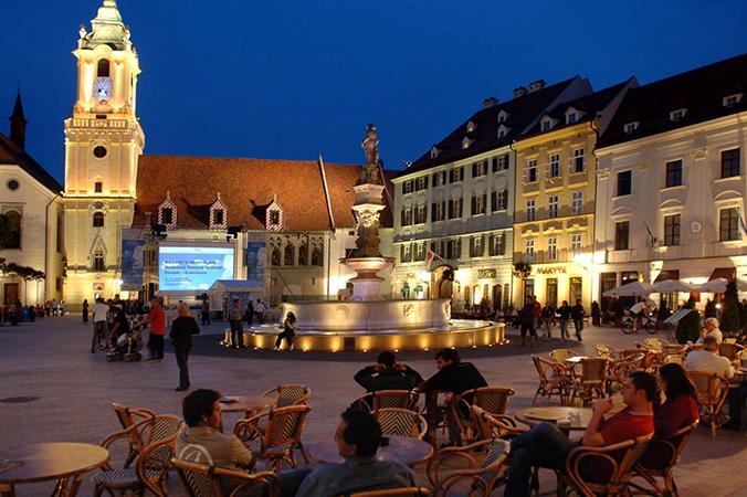 Вечерняя Братислава