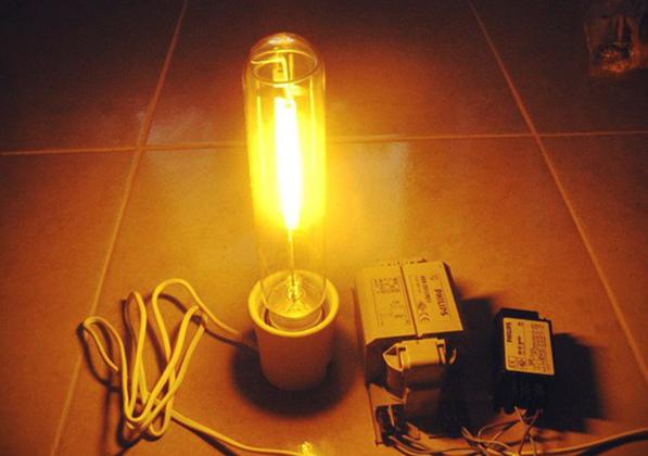 Работающая лампа
