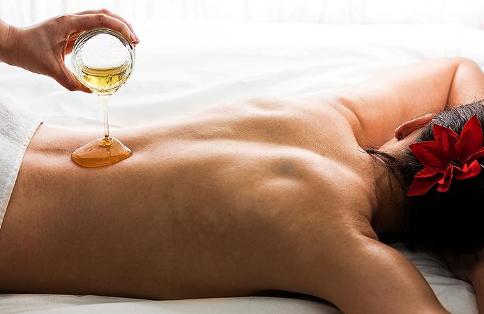 Проведение медового массажа