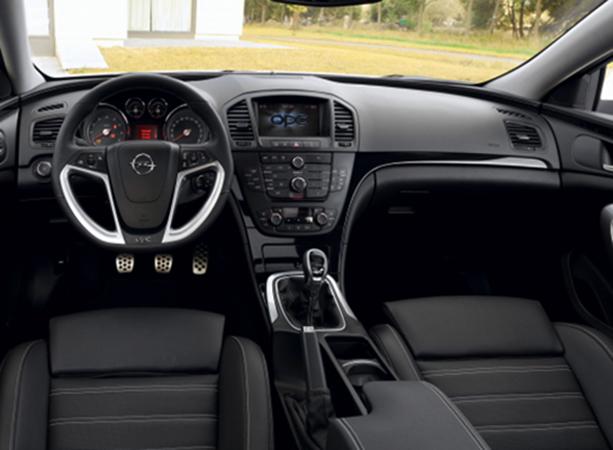 Интерьер Opel Insignia