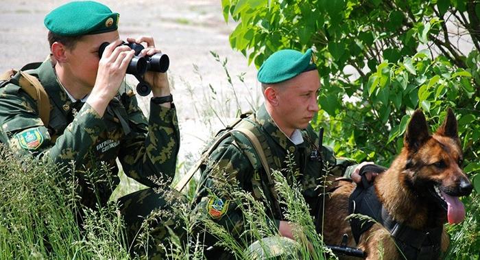 Солдаты-пограничники!