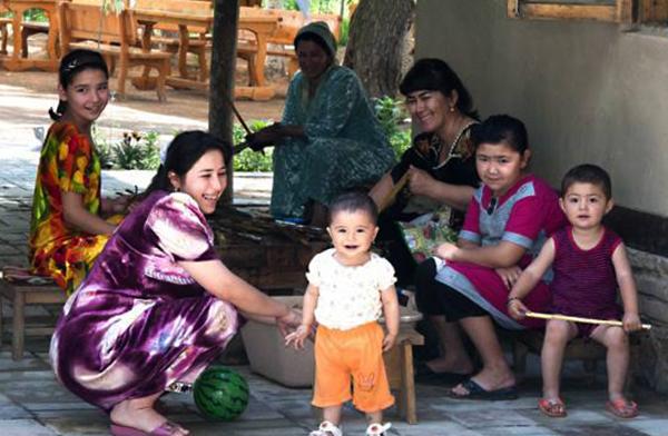 Семья в Узбекистане