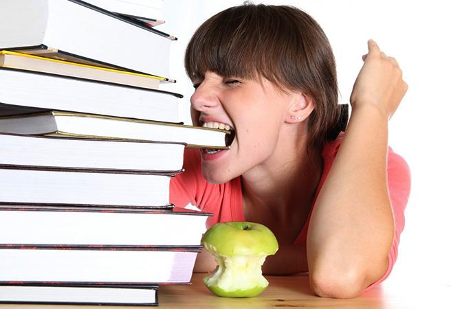 Студент и книги