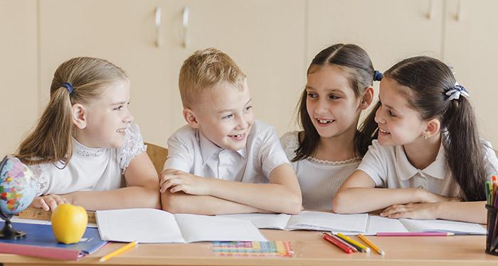 Дети во время обучения