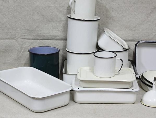 Новая эмалированная посуда