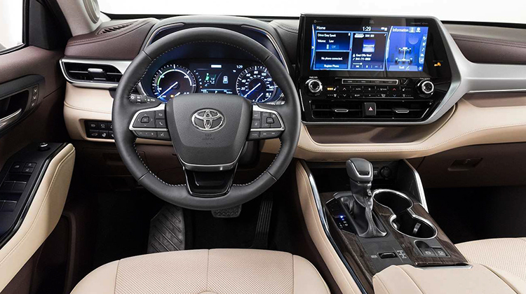 Салон Toyota Highlander