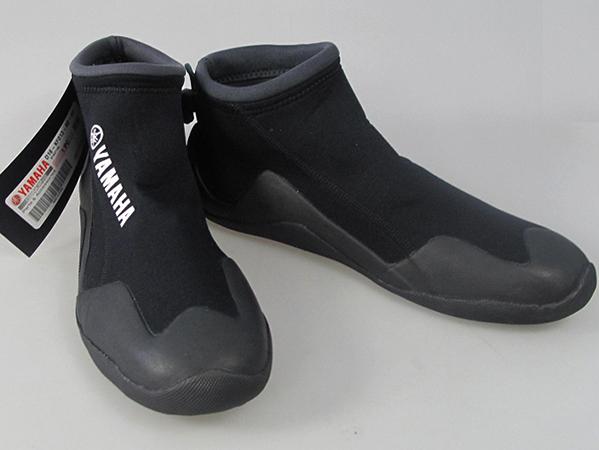 Обувь из неопрена