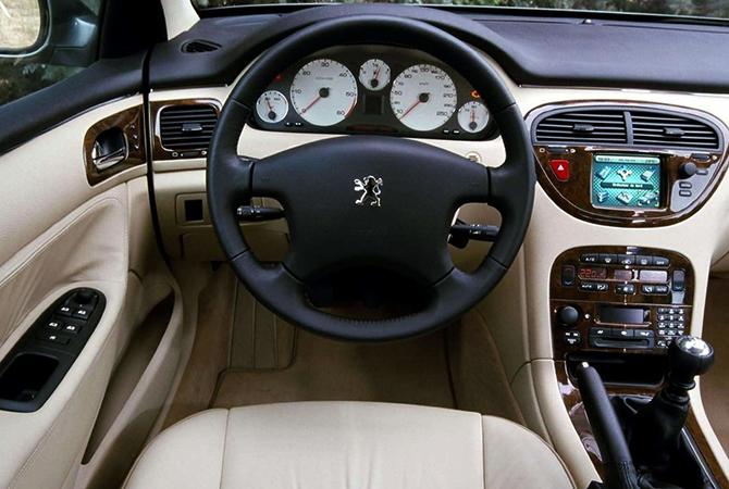 Салон Peugeot 607