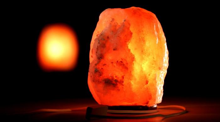 Соляная лампа дома