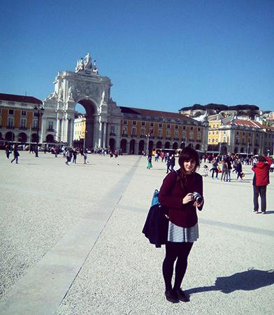 Туристы зимой в Португалии