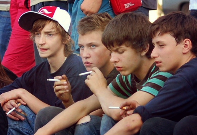 Молодые курильщики