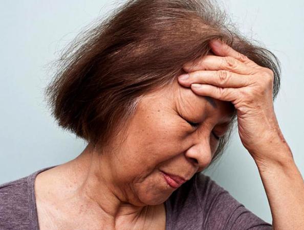 Симптом инсульта у женщины