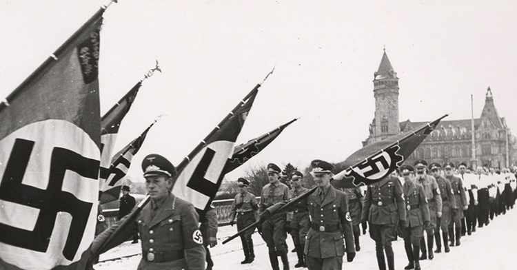 Войска фашистов