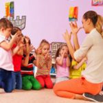 Стоит ли идти работать помощником воспитателя