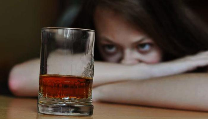 Девушка и алкоголь