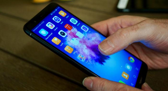 Huawei P Smart в руках