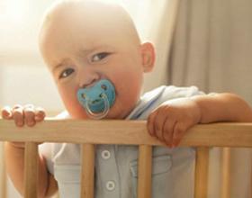 Если ребенок выпал из кроватки — возможные последствия