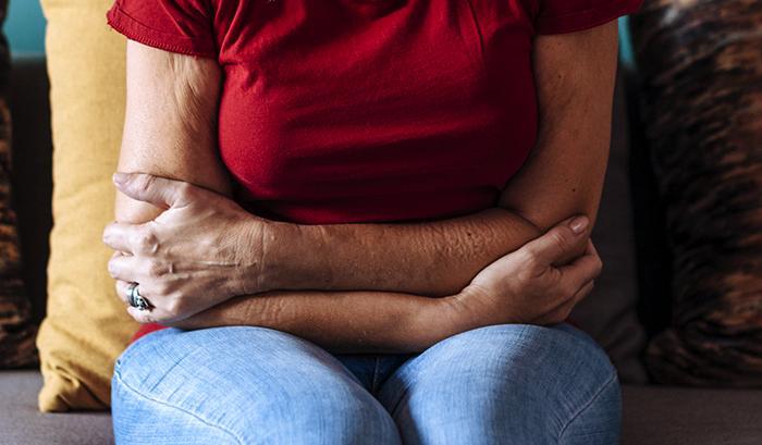 Женщина после удаления миомы вместе с маткой