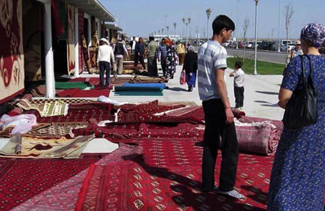 На улице Туркменистана