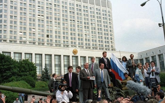 Ельцин во время путча