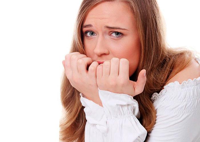 Раздражительность у девушки