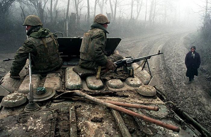 Солдаты на танке