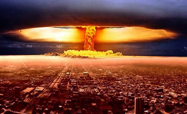 Взрыв водородной бомбы в городе