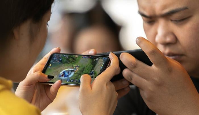 Игроки на смартфонах