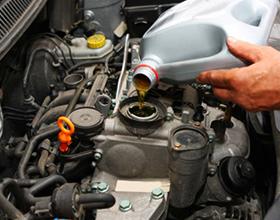 Перелив масла в двигатель — какие будут последствия?