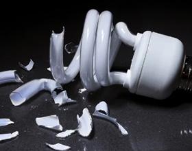Если разбил энергосберегающую лампочку — какие могут быть последствия