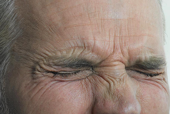 Потеря зрения мужчиной