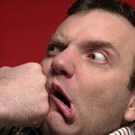 Удар в челюсть и его возможные последствия для здоровья