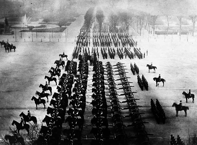 Солдаты и артиллерия