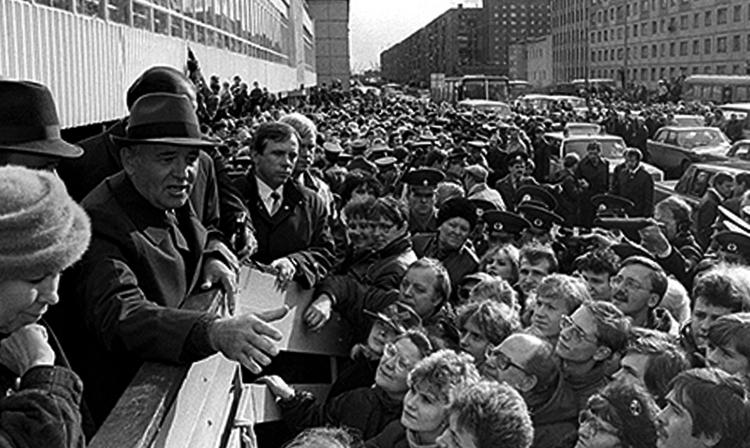 Горбачев во время перестройки