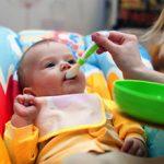 Ранний прикорм грудничка, чем опасен и возможные последствия
